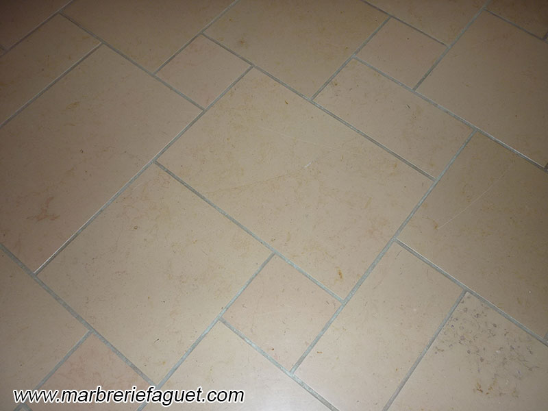 Carrelage et dallage en roche naturelle pierre granit for Carrelage marbre granit