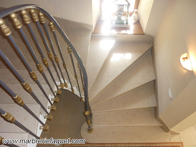 Photo 7 - escalier-marbre-granit-pierre