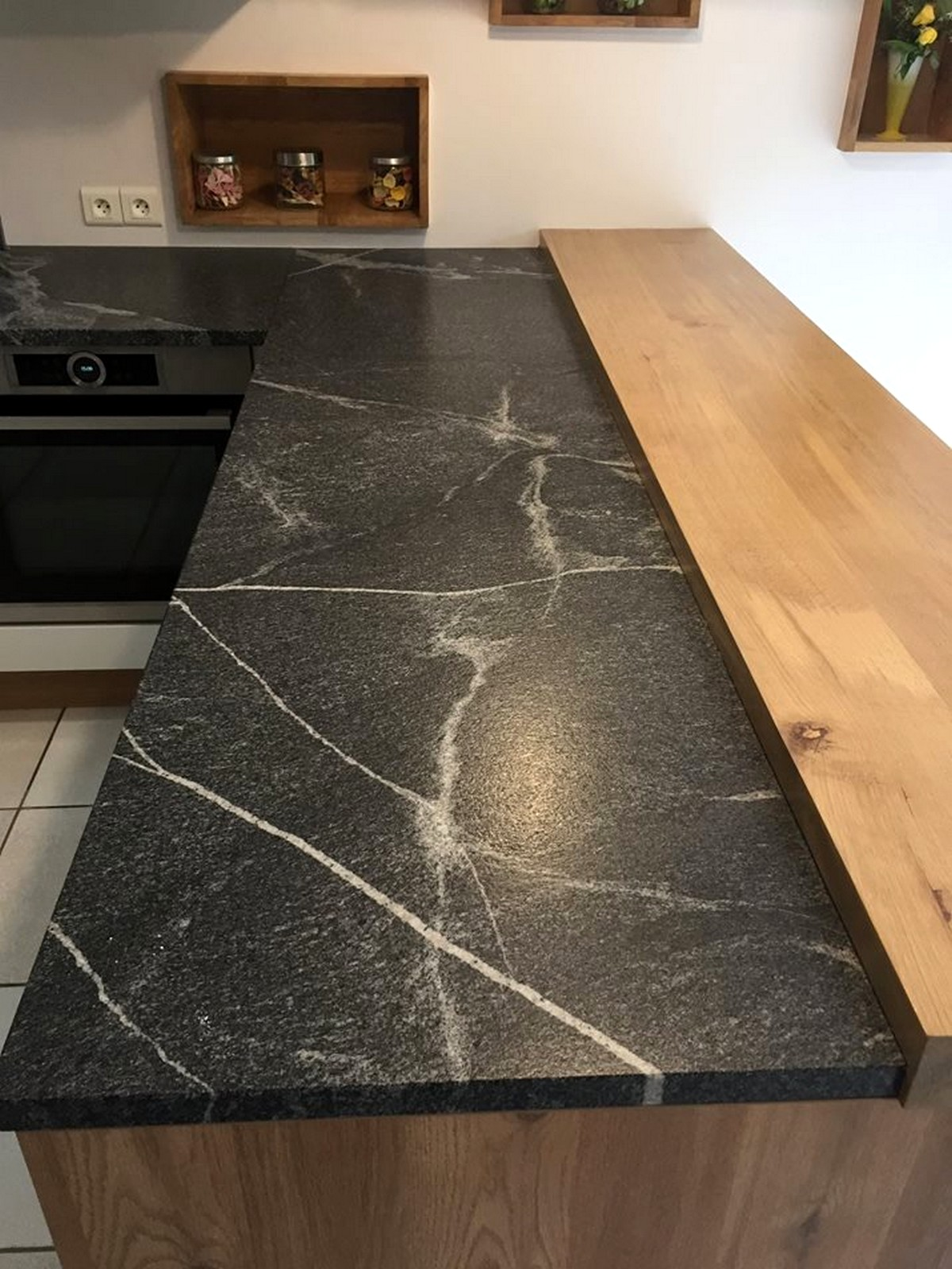 Granit Jurassic Grey Cuir Effet Marbre Cuisine Ambiance Atelier