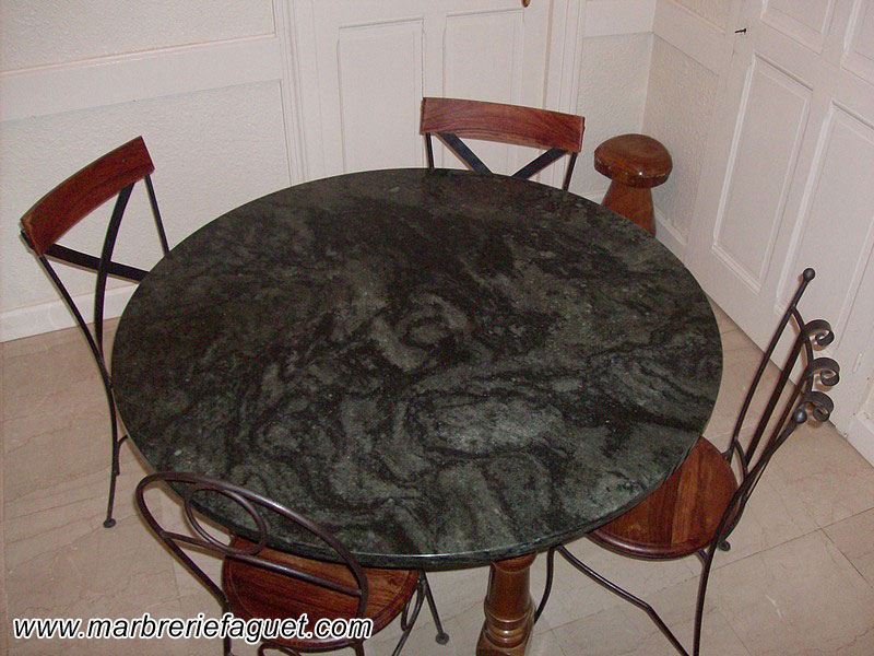 Table en marbre sur mesure et bar en marbre 38 et 73 - Plateau de table en granit ...